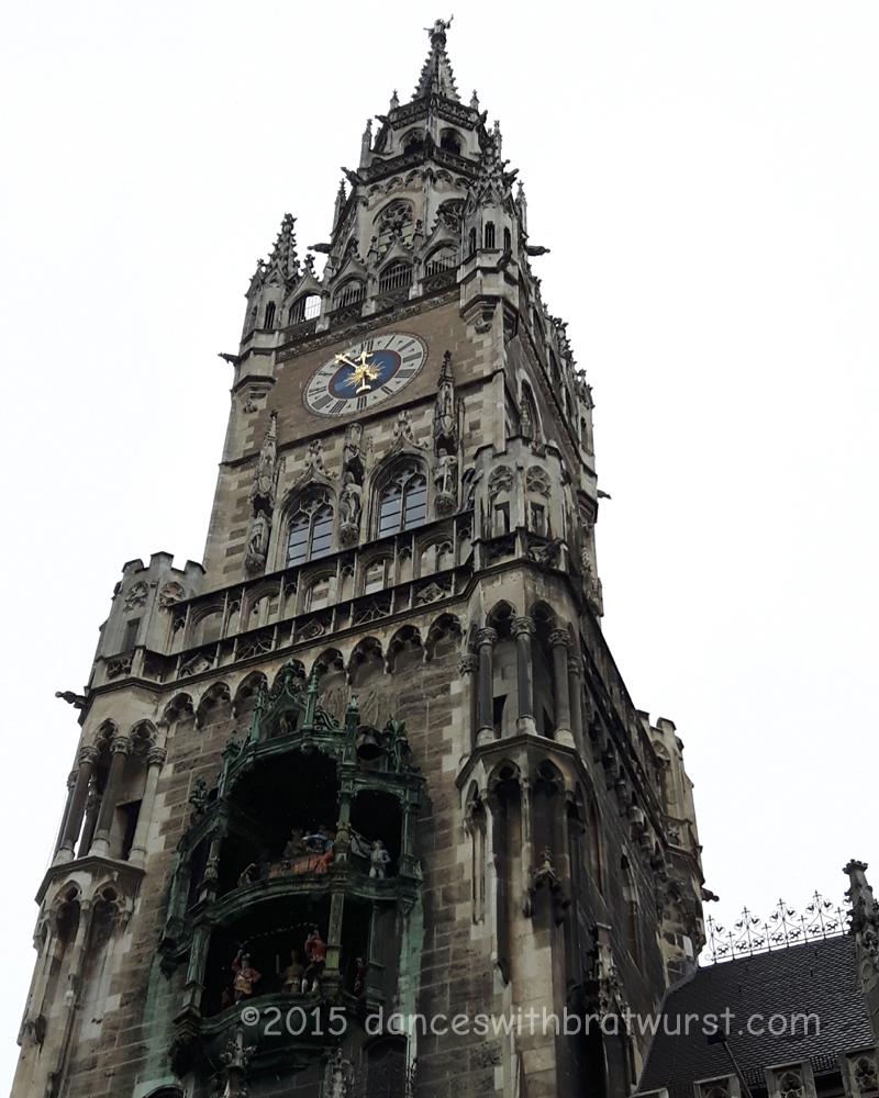 Neues Rathaus--Glockenspiel is to the bottom