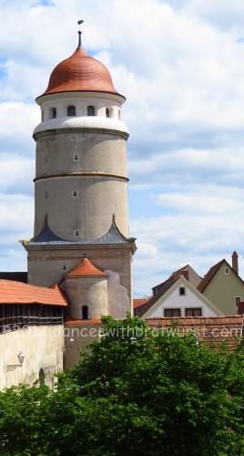 Löpsinger Torturm, as seen from the wall.